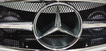 automobile-grill-mercedes-400